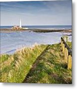 St Marys Lighthouse From Cliff Top Metal Print