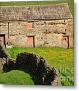Stone Barn With Red Doors In Swaledale Yorkshire Dales Metal Print