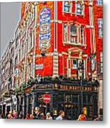 Streetlife In London Metal Print