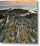 Stunning Vibrant Rock Formation Against Ocean And Beautiful Suns Metal Print