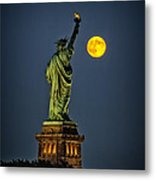 Supermoon 2014 Metal Print by Wayne Gill