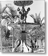 Swan Statue - Black And White With Vignette Metal Print