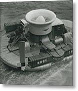 The �hovercraft� Shows Of Its Paces On The Thames Metal Print