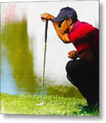 Tiger Woods Lines Up A Putt On The 18th Green Metal Print