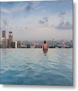 Tourists At Infinity Pool Of Marina Bay Metal Print