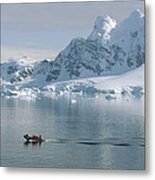 Tourists In Zodiac Boat Paradise Bay Metal Print
