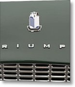 Tr3 Hood Ornament And Grill Metal Print