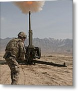 U.s. Army Soldier Fires A 122mm Metal Print
