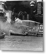 U.s. Sailors In Fireboats At The Side Metal Print