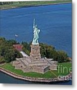 Usa Statue Of Liberty Metal Print by Lars Ruecker