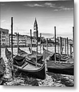Venice Grand Canal And Goldolas In Black And White Metal Print