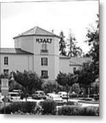 Vineyard Creek Hyatt Hotel Santa Rosa California 5d25866 Bw Metal Print