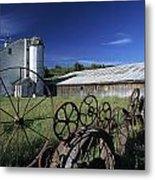 Wagon Wheel Barn Metal Print