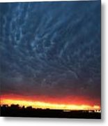 Weaking Cells Made For A Perfect Mammatus Sunset Metal Print