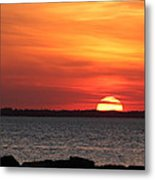 When The Sun Goes Down Metal Print by Robin Martin