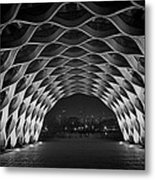 Wooden Archway With Chicago Skyline In Black And White Metal Print