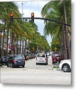 Worth Ave Palm Beach Fl Facing West Metal Print