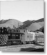 Historic Niles Trains In California . Southern Pacific Locomotive And Sante Fe Caboose.7d10819.bw Metal Print