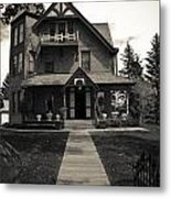 Old House Metal Print by Darren Langlois