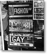 Signs Of New York In Black And White Metal Print by Rob Hans