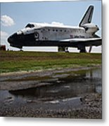 Space Shuttle Discovery Metal Print