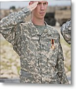 A U.s Army Soldier And Recipient Metal Print