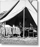 Abraham Lincoln Meeting With General Mcclellan - Antietam - October 3 1862 Metal Print