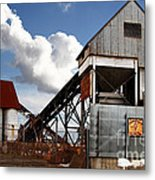Alive And Well In America . The Old Industrial Sand Plant In Berkeley California . 7d13952 Metal Print