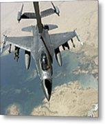 An F-16 Fighting Falcon Refuels Metal Print