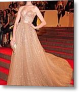 Anne Hathaway Wearing  A Valentino Gown Metal Print