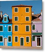 Brightly Painted Houses Of Burano Metal Print