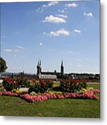 Cathedrale And Cloister Garden Metal Print