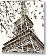 Eiffel Fame Metal Print by Linde Townsend