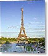 Eiffel Tower With Fontaines Metal Print