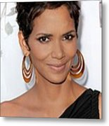 Halle Berry At Arrivals For 2011 Annual Metal Print by Everett