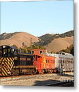 Historic Niles Trains In California . Old Southern Pacific Locomotive And Sante Fe Caboose . 7d10822 Metal Print
