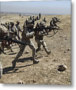 Iraqi Army Soldiers Move To Positions Metal Print