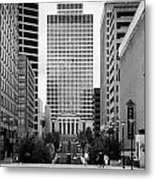 Looking Up Deaderick Street Towards War Memorial Plaza And The William Snodgrass Tennessee Tower Metal Print