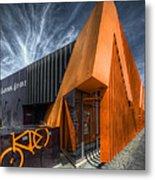 L'orange Facade Metal Print