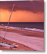 Lovers Embrace On The Shoreline Metal Print