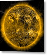 Magnetic Field Lines On The Sun Metal Print