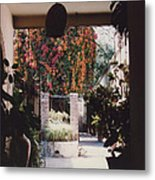 Mexico Garden Patio By Tom Ray Metal Print