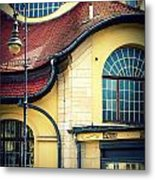 Mexikoplatz Bahnhof Close-up Metal Print
