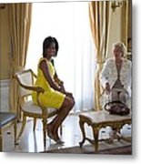 Michelle Obama Meets With Clio Metal Print by Everett