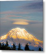 Mt Rainier Sunset With Lenticular Clouds Metal Print