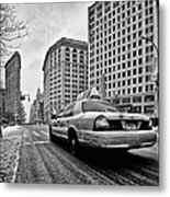 Nyc Cab And Flat Iron Building Black And White Metal Print