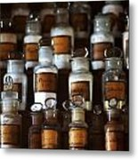 old pharmacy 2 - Old glass bottle with medicine powder of xviii century Metal Print