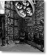 Operating Room - Eastern State Penitentiary - Black And White Metal Print