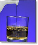 Pouring Oil Into Vinegar Metal Print by Photo Researchers, Inc.