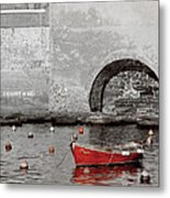 Red Boat In The Harbor At Vernazza Metal Print